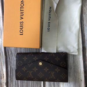 LV sarah monogram small leather wallet M60531